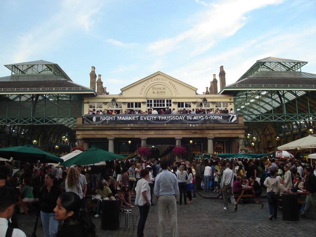 O mercado de Covent Garden atrai muita gente. Foto: Marcelle Ribeiro.