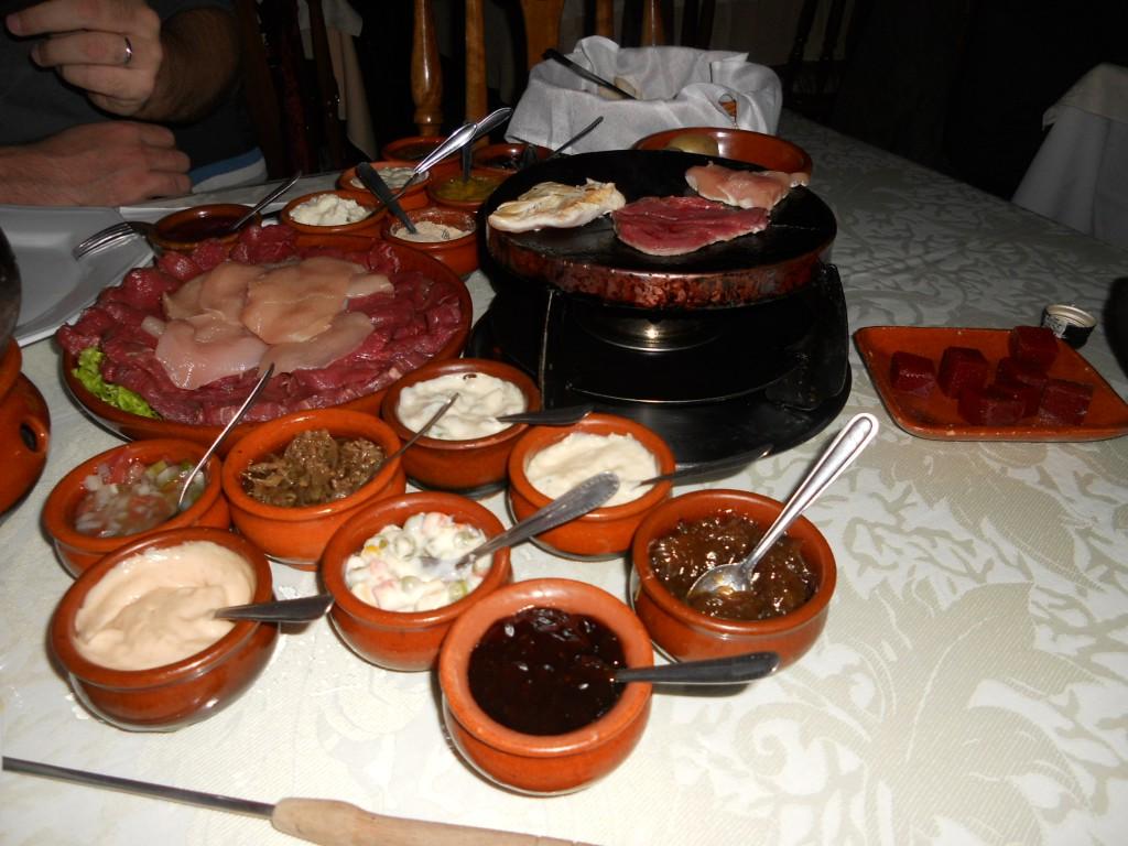 Fondue de carne, delícia!!! Foto: Marcelle Ribeiro