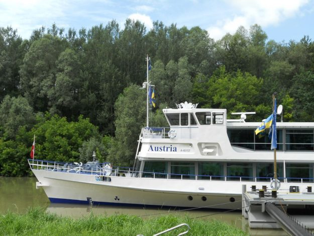 barco vale do wachau