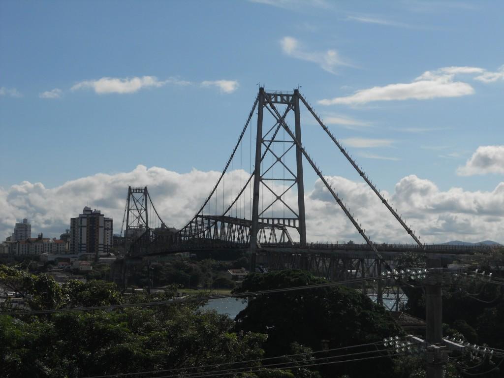 Ponte Hercílio Luz vista da Praça Hercílio Luz. Foto: Marcelle Ribeiro