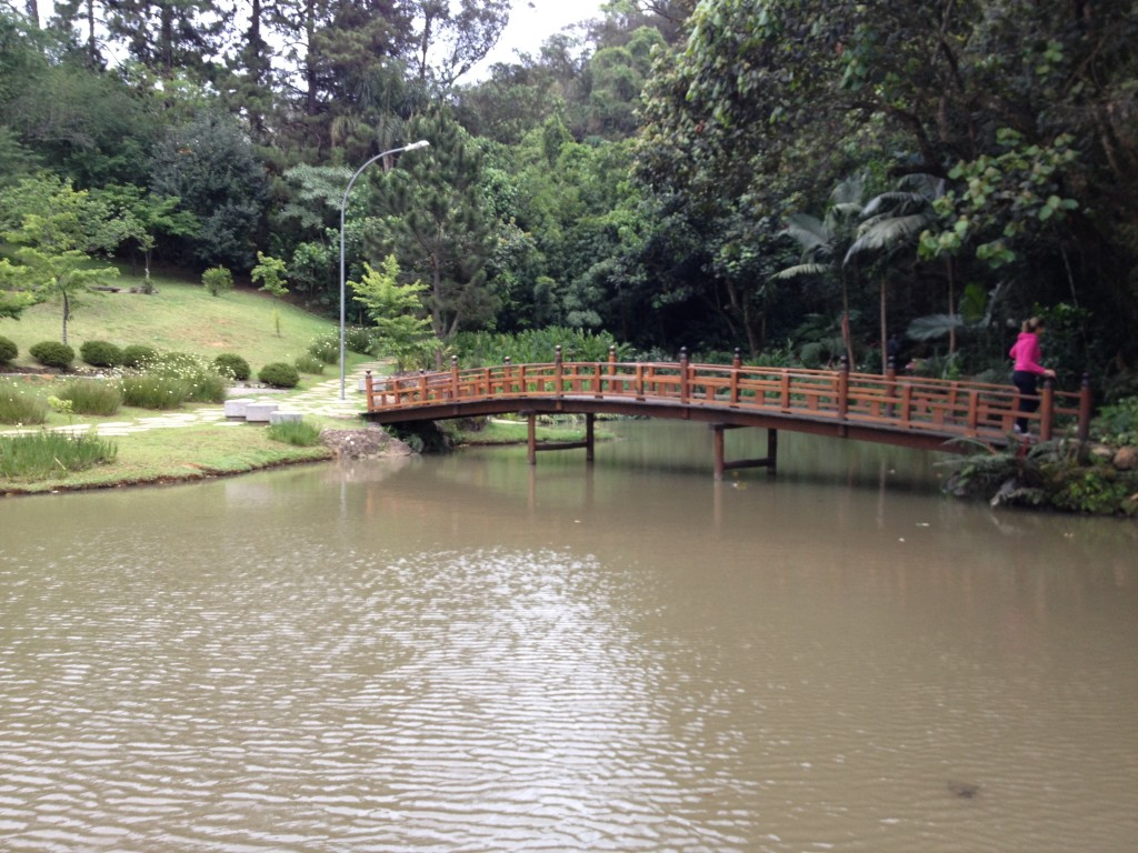 Jardim e lago do Templo Zu Lai. Foto: Marcelle Ribeiro