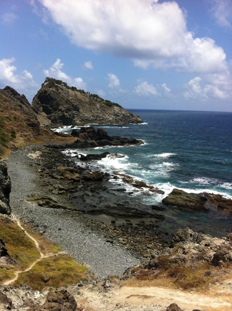 Visual da trilha do Abreu, em Fernando de Noronha. Foto: Adelia Ribeiro