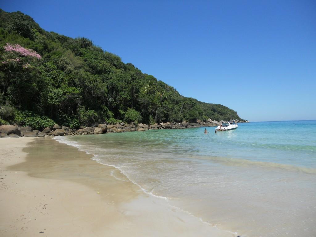 Ponta esquerda da praia de Lopes Mendes, em Ilha Grande. Foto: Marcelle Ribeiro