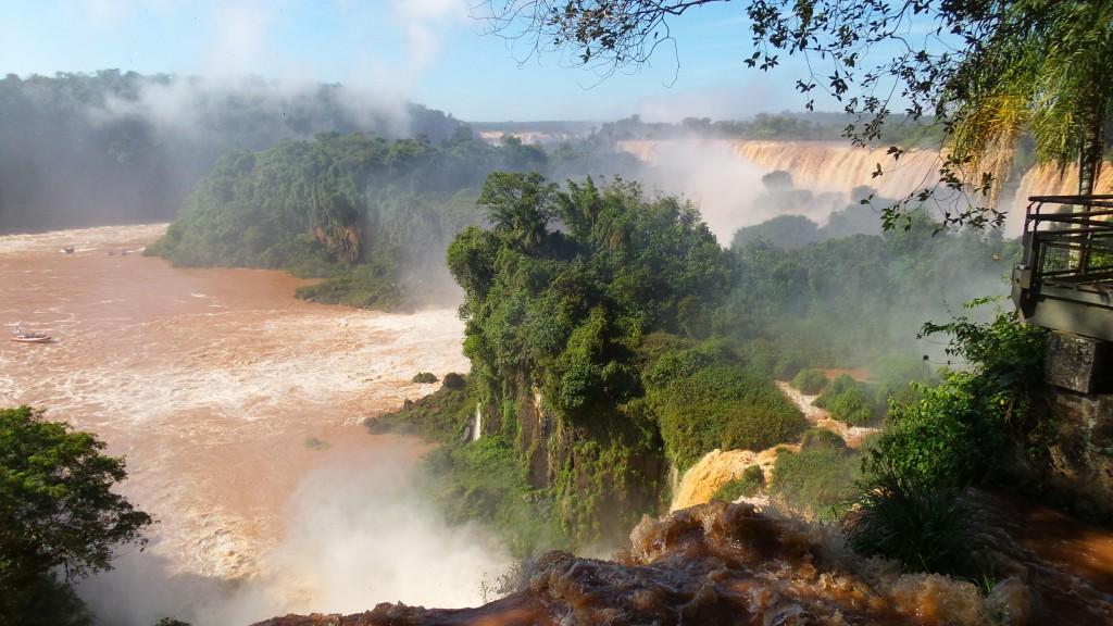 Paseo Superior, no Parque Nacional Iguazú. Foto: Marcelle Ribeiro