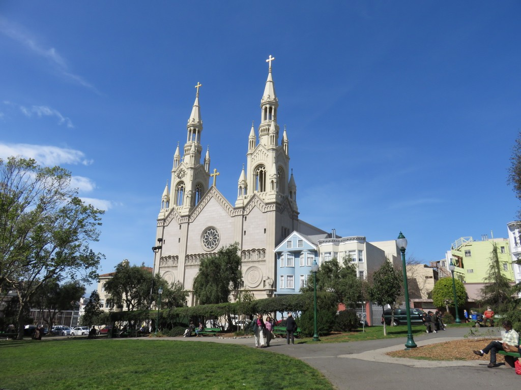 A Saints Peter and Paul Church é centro religioso dos descendentes de italianos em San Francisco (Marcelle Ribeiro)