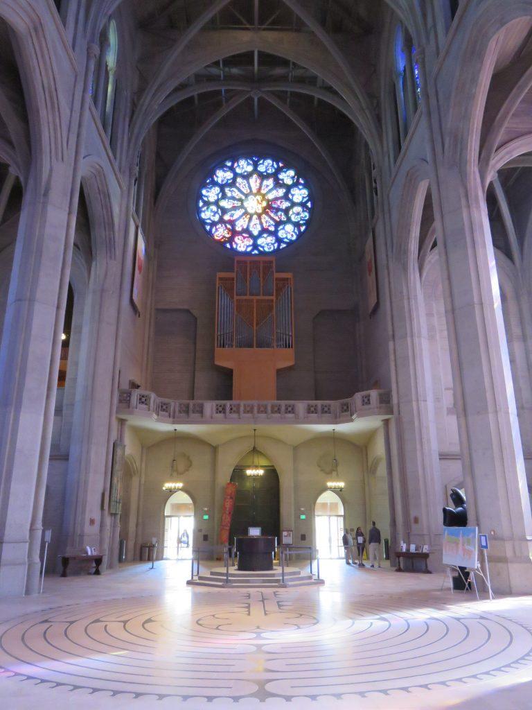 Labirinto interno da Grace Cathedral, em San Francisco. Foto: Guilherme Calil