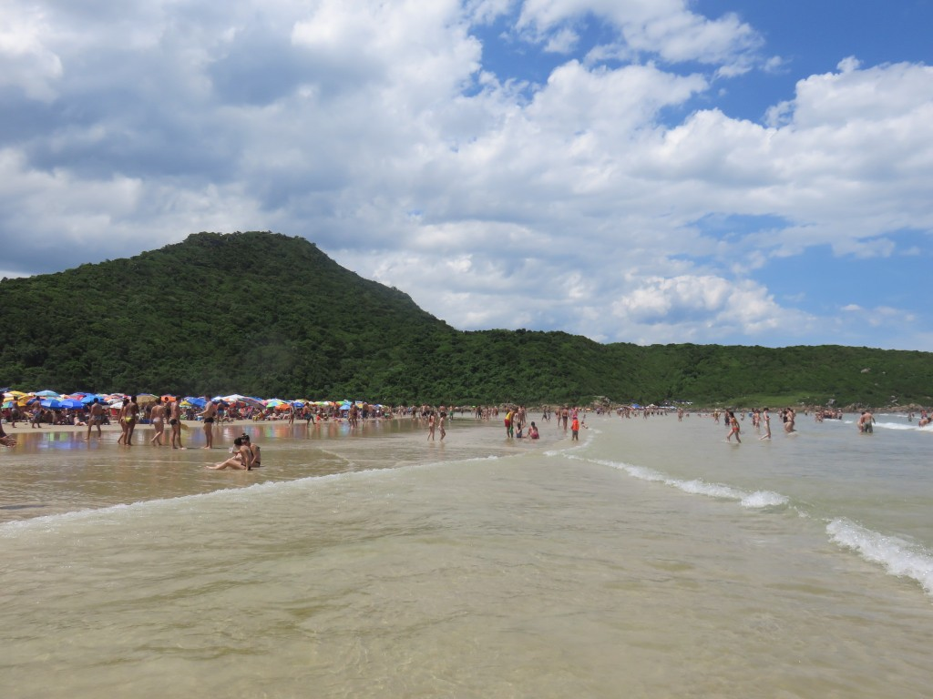 Praia da Guarda do Embaú. Foto: Marcelle Ribeiro