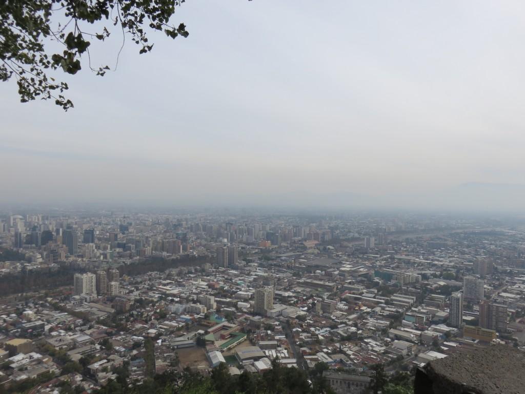 Vista de Santiago do alto do Parque Metropolitano. Foto: Marcelle Ribeiro.