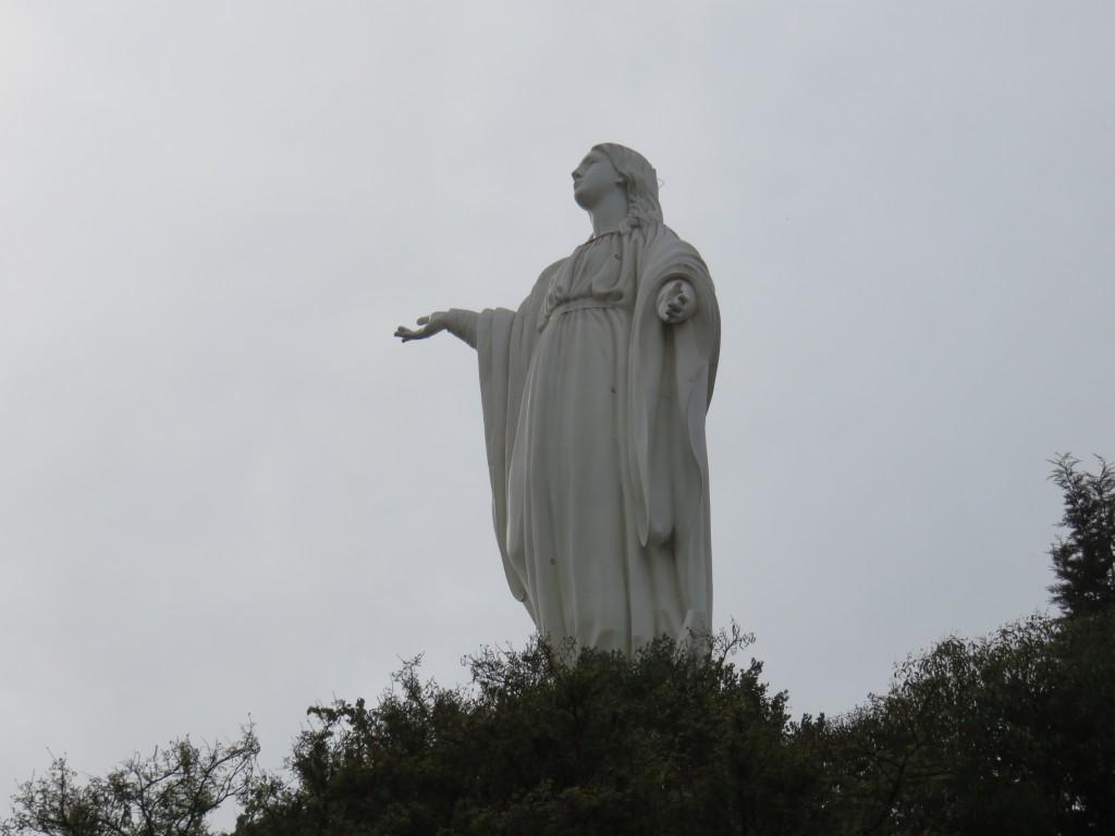 Estátua de Imaculada Conceição no Parque Metropolitano. Foto: Marcelle Ribeiro.