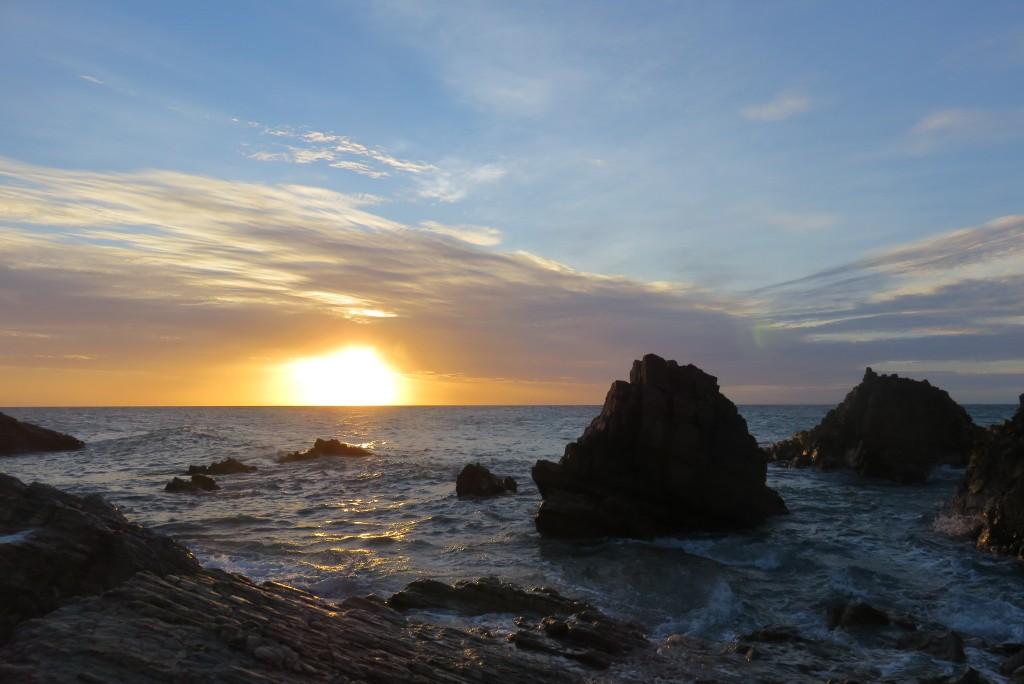 Pôr do sol ao lado da Pedra Furada, em Jericoacoara. Foto: Marcelle Ribeiro.