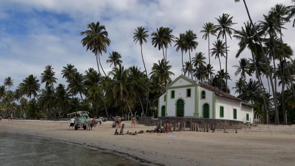 Igreja de São Benedito, na Praia dos Carneiros. Foto: Marcelle Ribeiro.