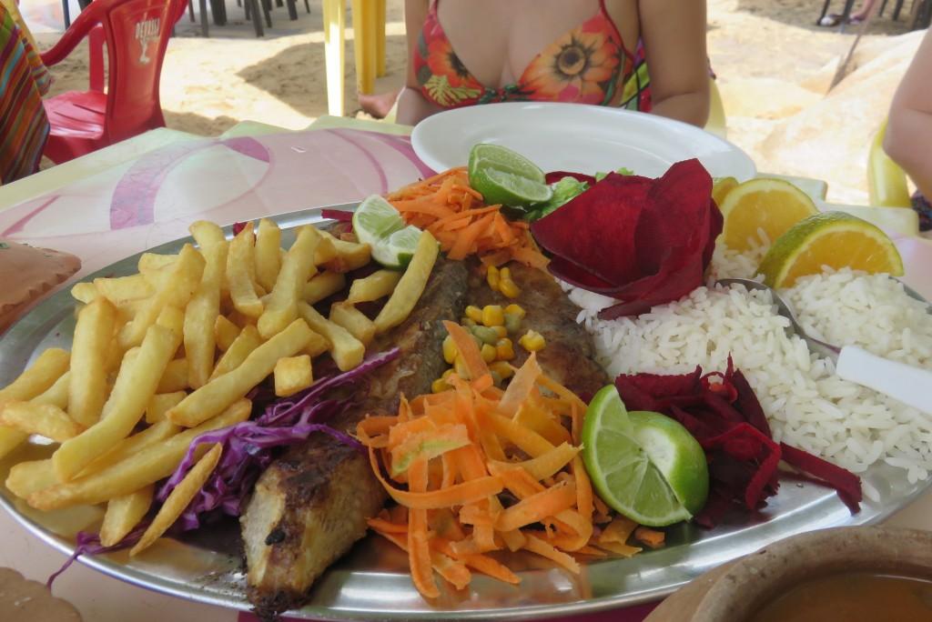 Peixe frito do Bar do Artur, em Calhetas. Foto: Marcelle Ribeiro.