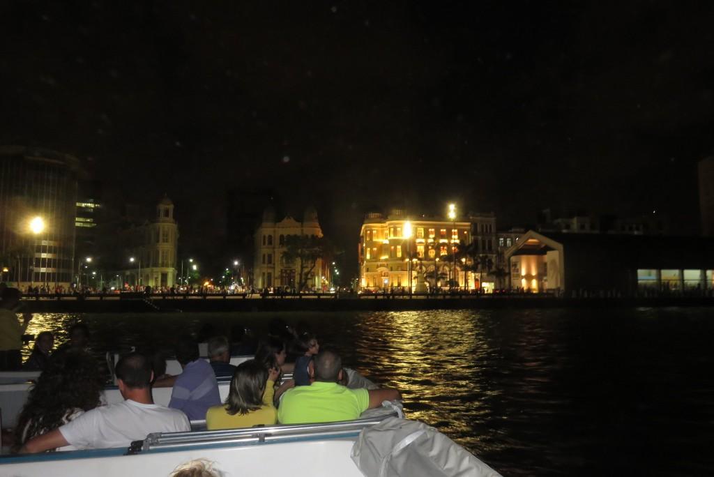 Passeio de catamarã pelo Recife Antigo. Foto: Marcelle Ribeiro.