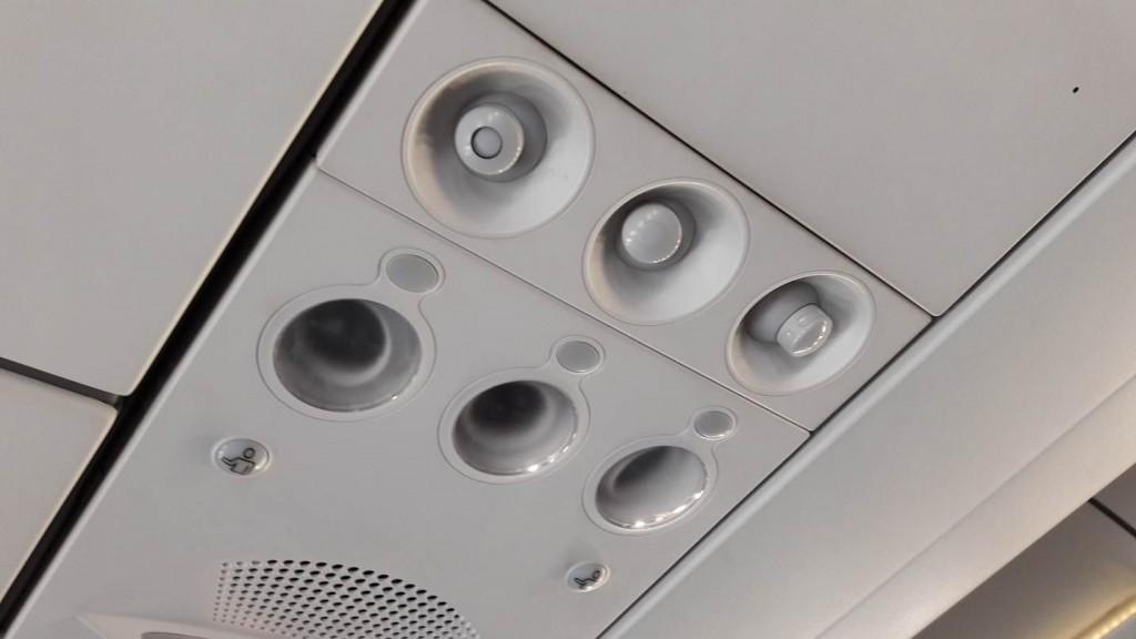 saída de ar- condicionado de avião