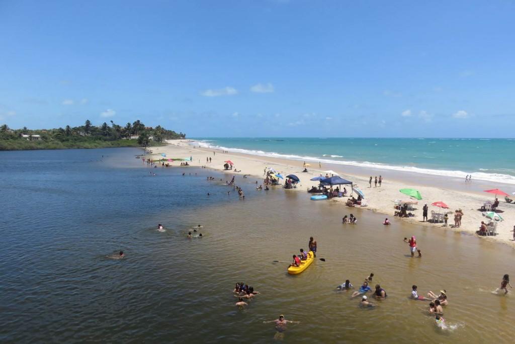 Praia de Tabatinga, perto de encontro com rio. Foto: Marcelle Ribeiro.