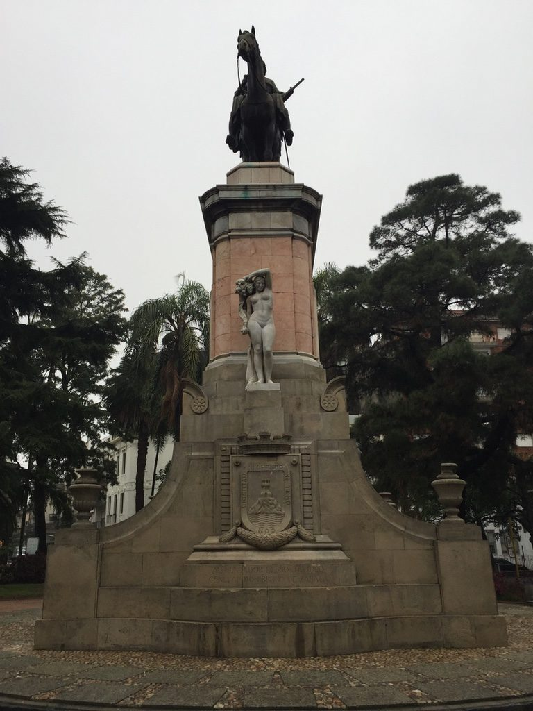 Praça Zabala Montevidéu
