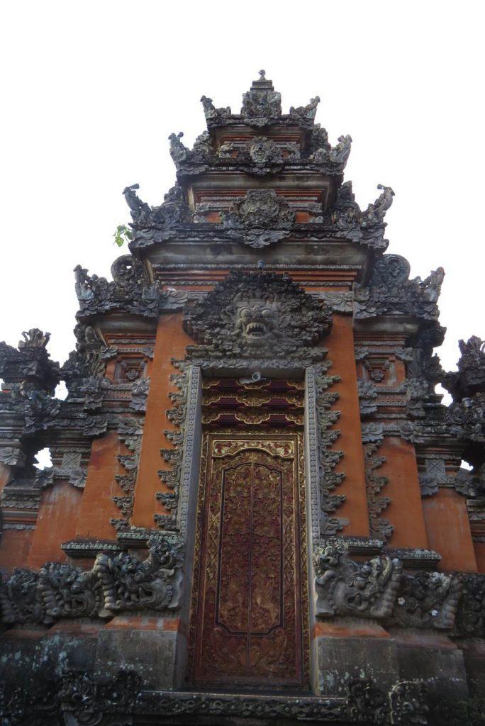 As esculturas detalhadas fazem parte da cultura da Indonésia. Foto: Marcelle Ribeiro