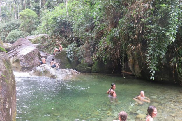 Poço das Esmeraldas, na Serrinha do Alambari