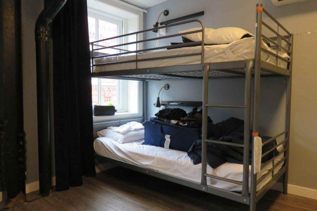 Quarto do Apple Hostel, no centro da Filadélfia.