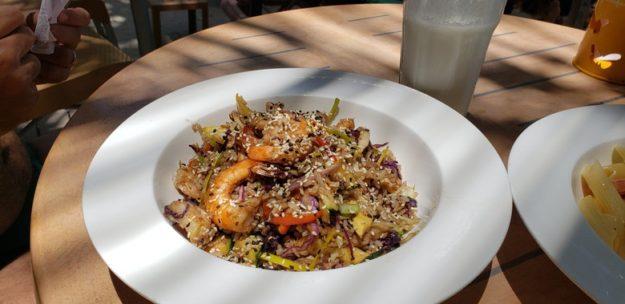Aqua Beach Club arroz oriental