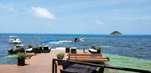 Deck restaurante hotel Deep Blue Providencia
