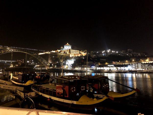 ribeira noite barcos rio