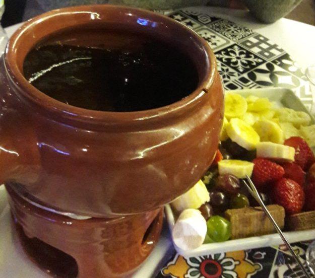 fondue de chocolate o boteco de minas campos do jordao
